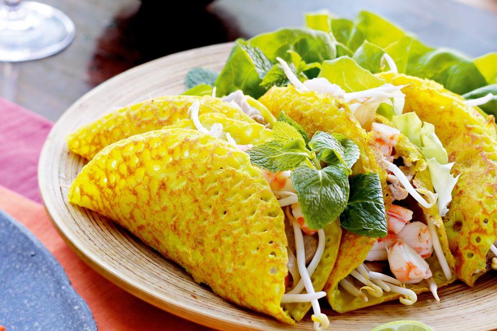 ベトナムのお好み焼き「バインセオ」